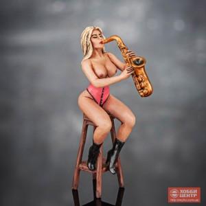 Девушка с саксофоном Girl-24