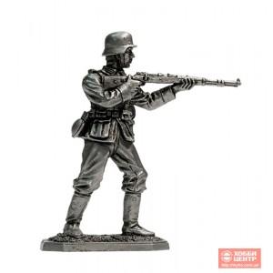 Немецкий пехотинец с винтовкой Mauser 98, 1944-45 Vnt-01