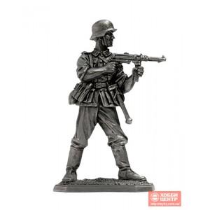 Немецкий пехотинец с MP-40, 1944-45 Vnt-02