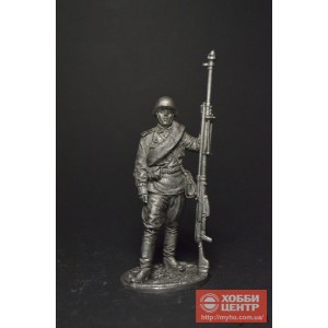 Гв. ефрейтор - наводчик противотанкового ружья (ПТРС), 1943г. СССР WW2-63