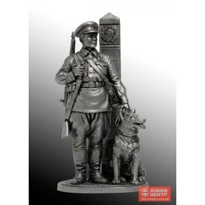 Младший сержант Пограничных войск НКВД с собакой, 1941 г. СССР WWII-23