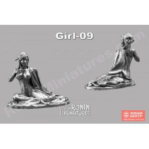 Гейша, сидящая Girl-09